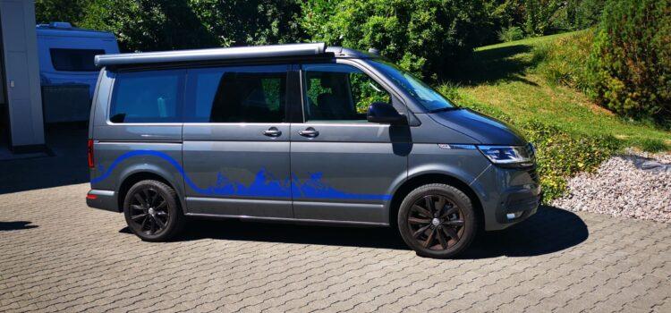 VW-California mit metallic Folie beschriften